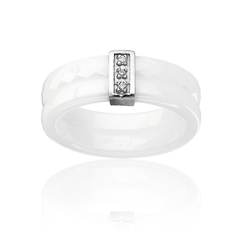 bague en c ramique avec diamant pas cher tous les bijoux. Black Bedroom Furniture Sets. Home Design Ideas